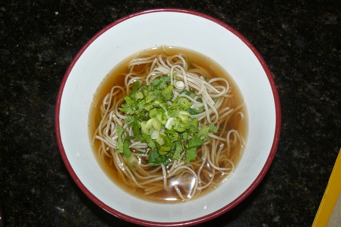 simple asian noodle broth, vegetarian broth, noodle soup, vegetarian, noodles,