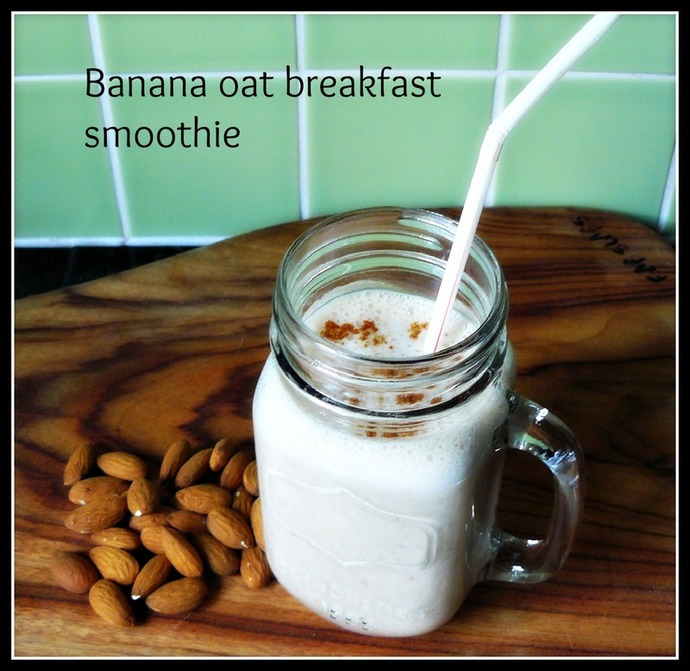 banana, oats, almonds, breakfast smoothie, breakfast smoothie recipe, vegan smoothie, banana smoothie recipe, banana smoothie, banana oat smoothie, banana oat breakfast smoothie