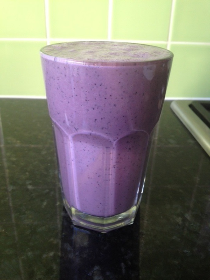 blueberries, blueberry smoothie, blueberry smoothie recipe, vegan, breakfast smoothie
