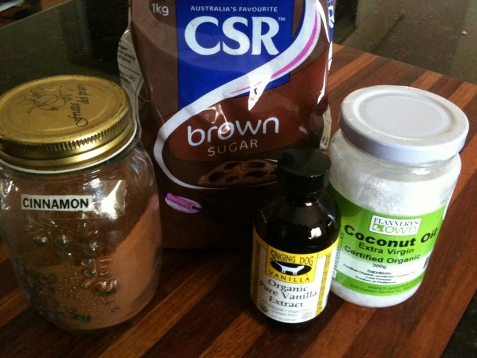 body scrub ingredients, homemade body scrub, cinnamon vanilla body scrub, diy body scrub, brown sugar body scrub