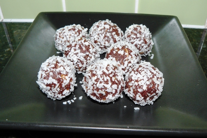 cacao ball recipe, coconut cacoa balls, vegan treats, chocolate balls, bliss balls, goodie balls,
