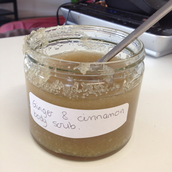 ginger and cinnamon body scrub, homemade body scrub, diy day spa, winter skin care