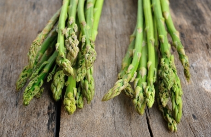 happy foods, asparagus, mood boosters, foods to boost your mood, happiness tips