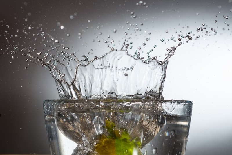 Hydration tips  - 5 ways to stay hydrated & slim this summer