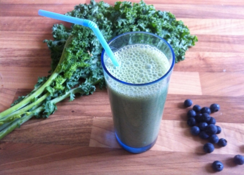 Kale and almond milk berry smoothie  - Top green smoothies