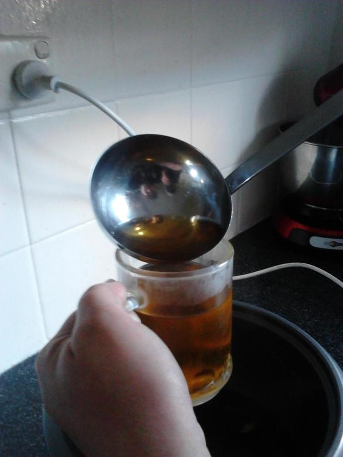 ladle, apple juice, hot winter drink, recipe