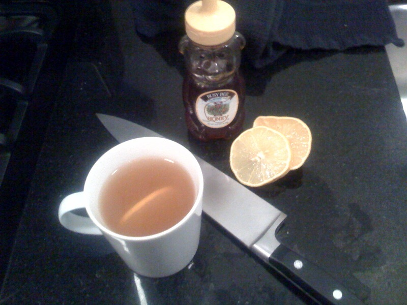 Fight colds and flu naturally with a honey and lemon tea remedy