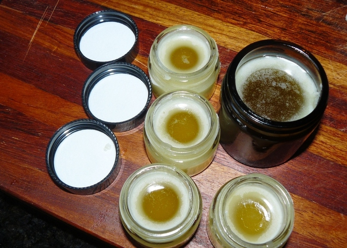 lip balm, homemade lip balm, homemade vanilla and honey lip balm, lip balm recipe, homemade lip balm ingredients, organic lip balm