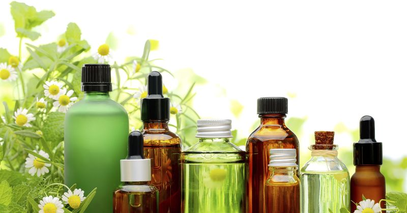 pregnancy, essential oils, aromatherapy, labour, natural living  - Essential oils to avoid during pregnancy