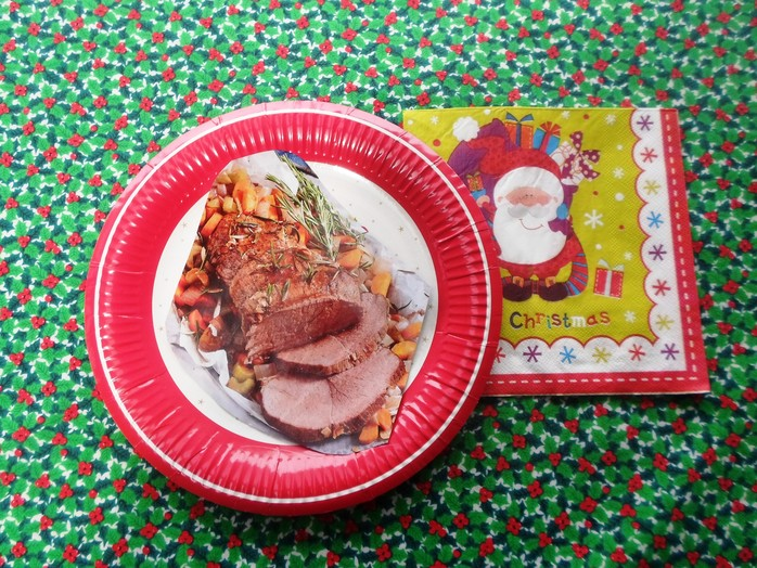 Roast on Christmas plate