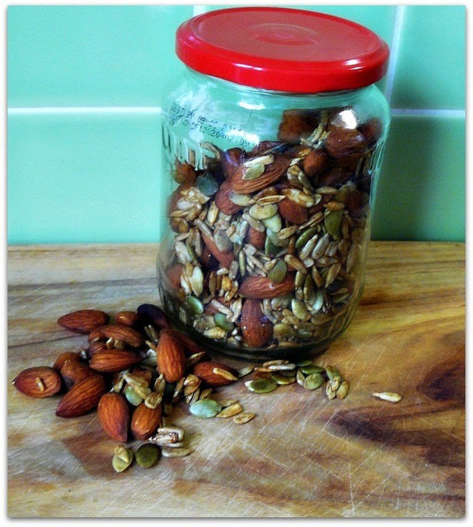 tamari mix, protein mix, tamari mix in jar, tamari, almonds, pepitas, sunflower seeds, protein mix, homemade tamari mix, protein mix recipe, trail mix recipe
