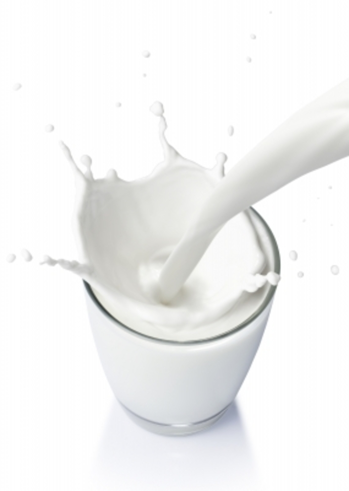 the truth about skim milk, milk, the skinny on skim milk, what is the best milk to drink, is low fat milk good for you, is low fat milk bad for you,